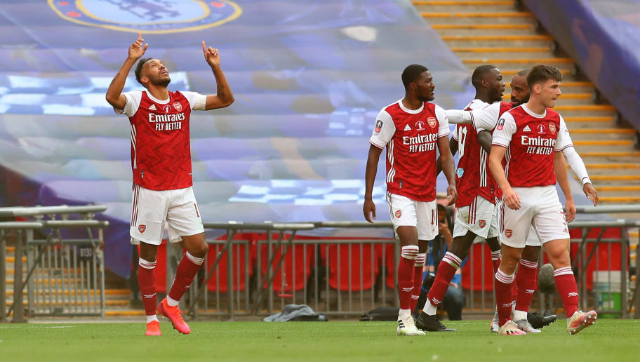 Pierre-Emerick Aubameyang Brace & Chelsea's Defending Sends Twitter Wild During FA Cup Final